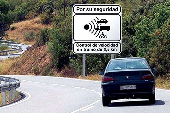 Adelantamientos en carretera, ¿son seguros a 20 km/h menos?